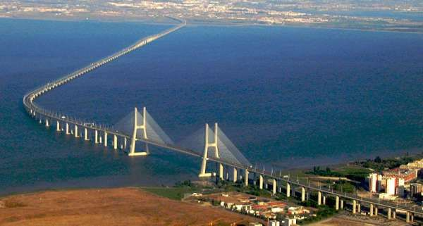 Danyang–Kunshan-Grand-Bridge-Longest-in-the-World